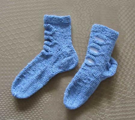 ponozky modre otvory